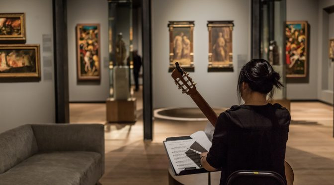 Comprare una chitarra classica: fattori e consigli per le prove in negozio