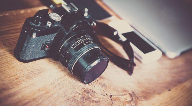 Come scegliere la tua prima macchina fotografica: reflex vs mirrorless vs compatta